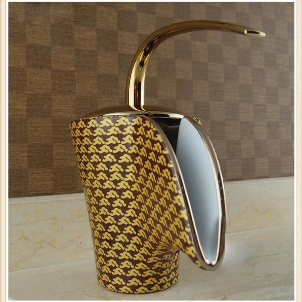 French Royal Luxury Golden Plated Bathtub Mixer Faucet Water Spout ...