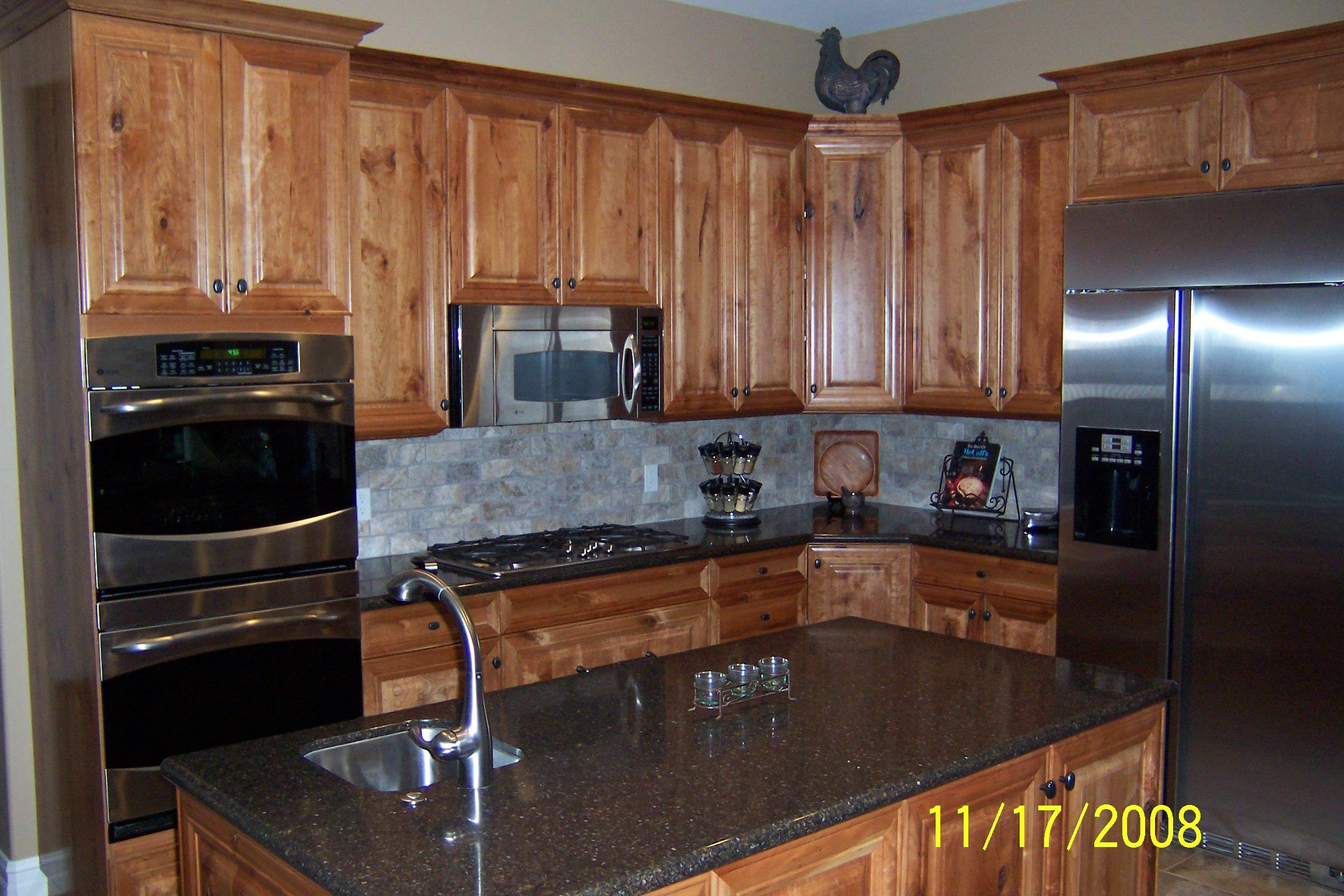 Knotty Cherry Cabinets Google Search Traditional Kitchen Cabinets Rustic Kitchen Cabinets Rustic Cherry Cabinets