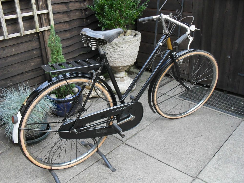 a vintage 1936 ladies raleigh sport 3 speed bicycle in. Black Bedroom Furniture Sets. Home Design Ideas