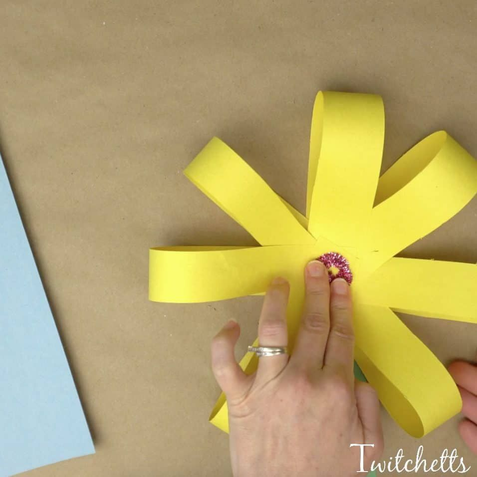 Giant Paper Flowers ~ Construction Paper Crafts for Kids #constructionpaperflowers Giant Paper Flowers ~ Construction Paper Crafts for Kids - Twitchetts #giantpaperflowers Giant Paper Flowers ~ Construction Paper Crafts for Kids #constructionpaperflowers Giant Paper Flowers ~ Construction Paper Crafts for Kids - Twitchetts #giantpaperflowers Giant Paper Flowers ~ Construction Paper Crafts for Kids #constructionpaperflowers Giant Paper Flowers ~ Construction Paper Crafts for Kids - Twitchetts #gi #constructionpaperflowers