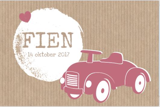 Retro geboortekaartje met vintage auto en kraft.