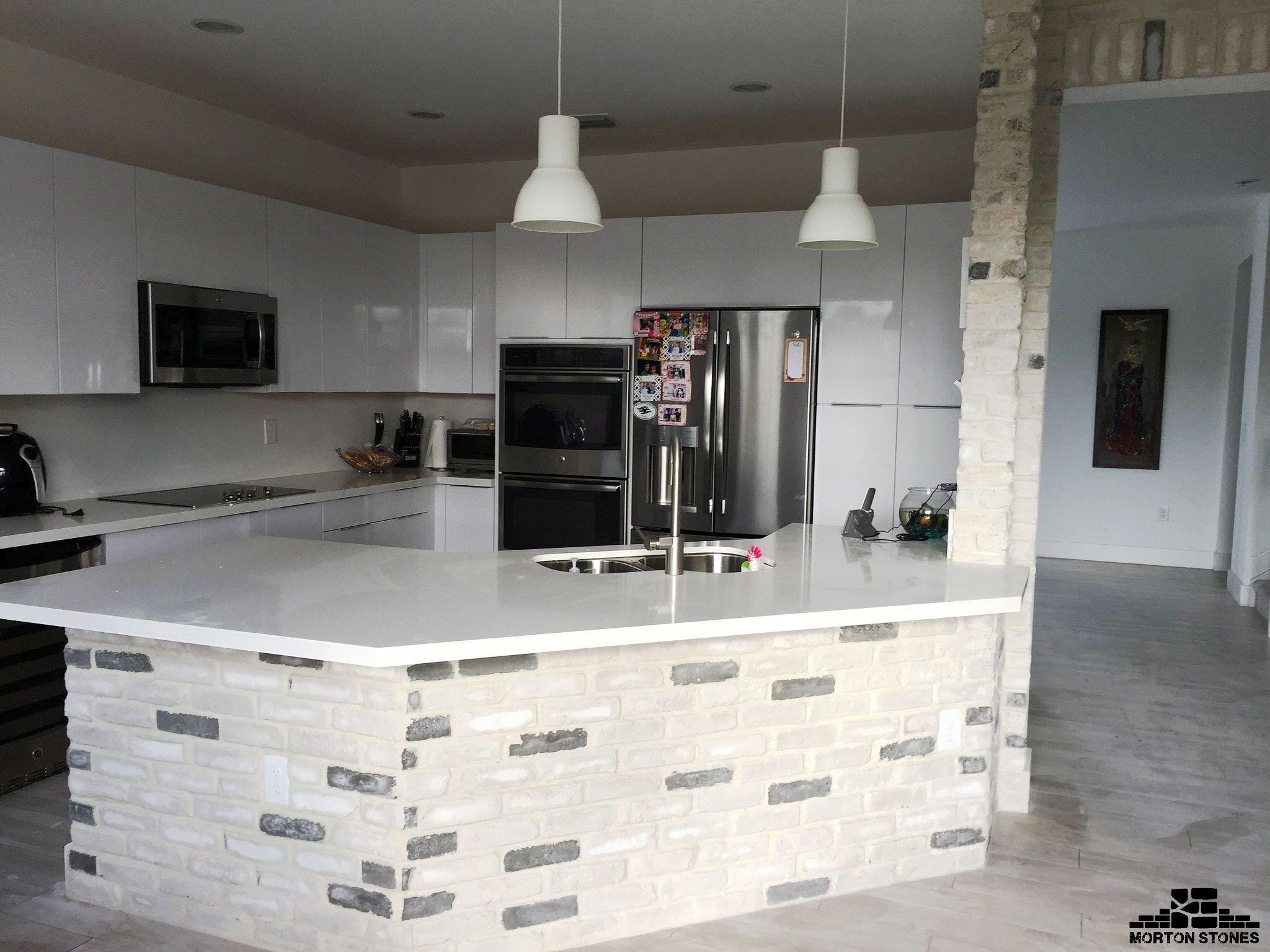 A White Brick Kitchen Island With A Rustic Touch Mortonstones