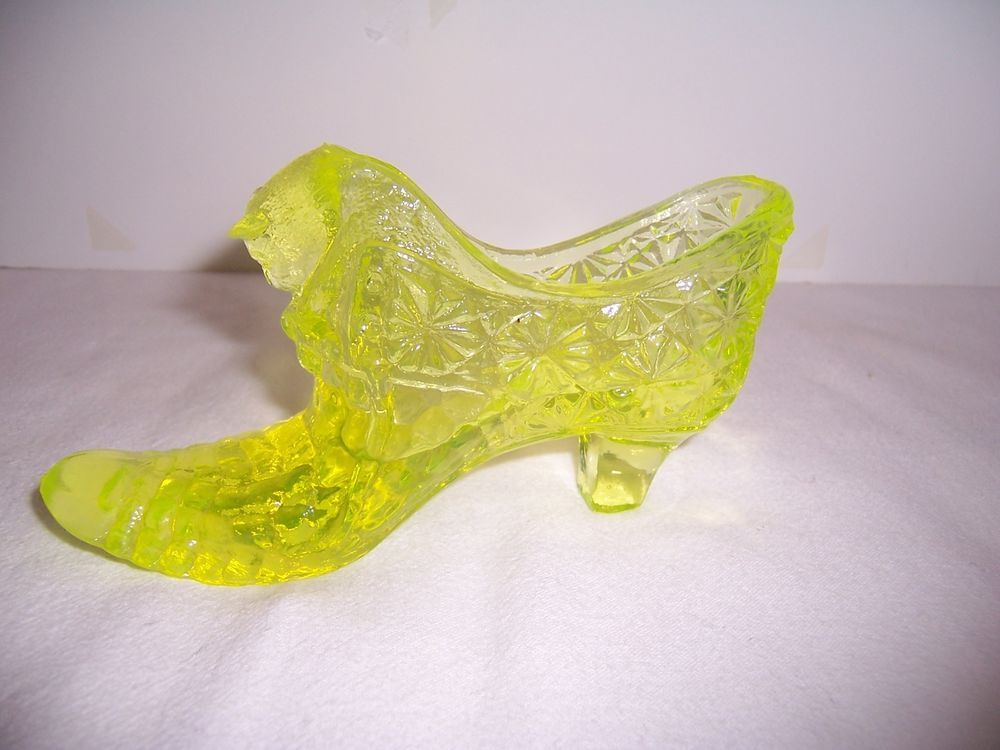 Vintage Fenton Vaseline Glass Shoe Daisy Button W Cat Head Glass Shoes Vaseline Glass Glass