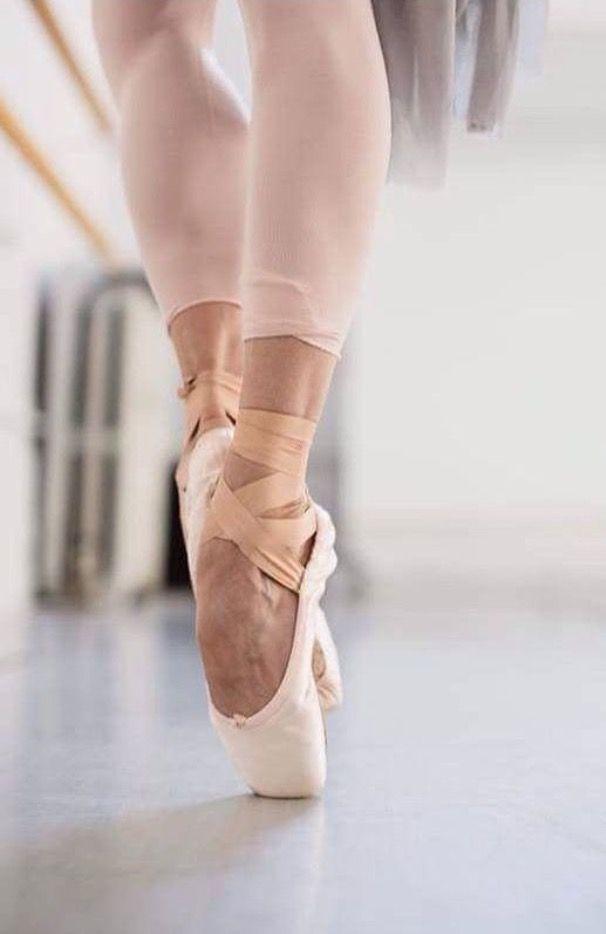 Épinglé par Nadia Ragni sur Balletto en 2018  49e82f06670