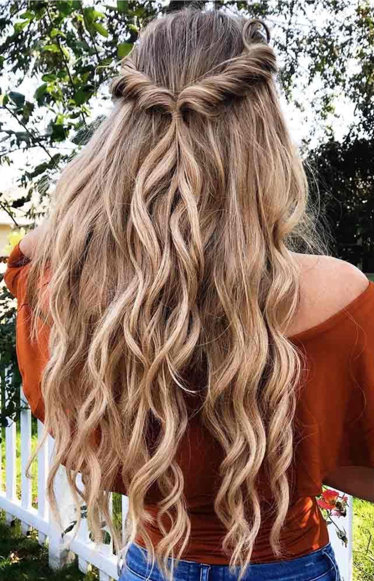 Gorgeous Ways To Wear Your Hair Down For Your Wedding Down Hairstyles Wedding Hair Inspiration Half Up Hair
