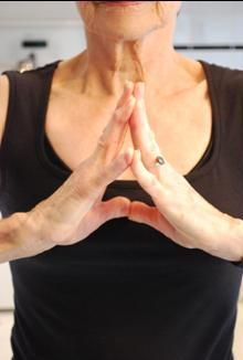 8 exercises to keep your hands strong and flexible