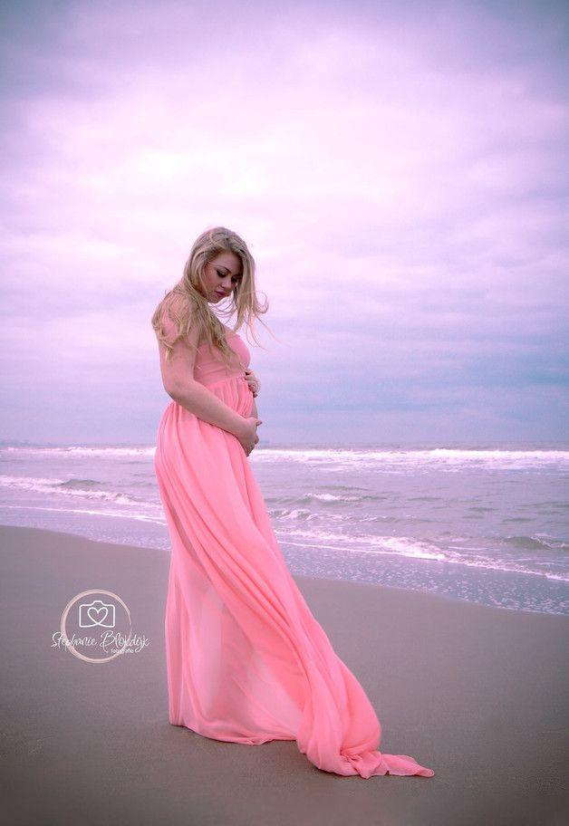 Wunderschönes Chiffon Kleid für Schwangere, Outfit für Babybauch ...