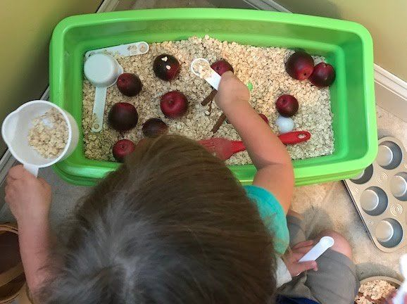 The flower sensory bin kept my kids busy for hours all summer long and I wanted to keep this going into the fall, which is why I created this Fun Apple Sensory Bin for toddlers & preschool. All summer long my kids loved playing with the flower sensory bin. They