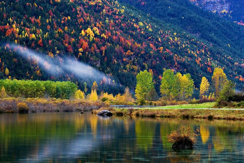 Paisajes del national geographic naturaleza pinterest for Piscinas naturales urederra