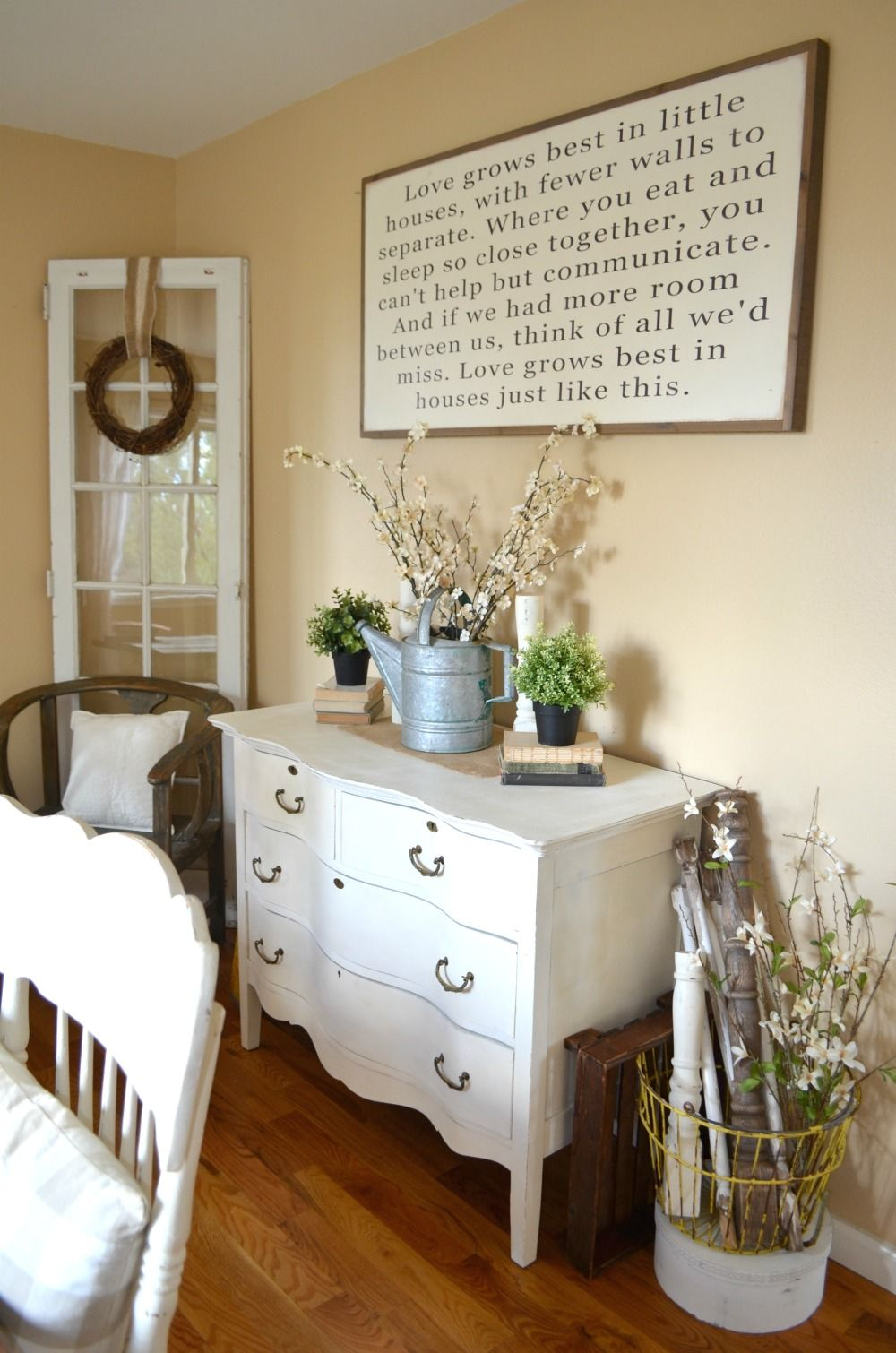 Farmhouse Chic Living Room Decor: Love Grows Best In Little Houses Sign
