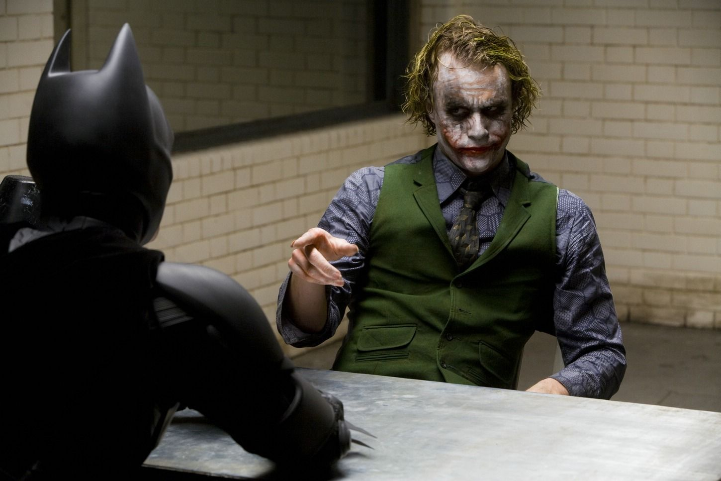 32 On Set Photos Of Christian Bale And Heath Ledger During The