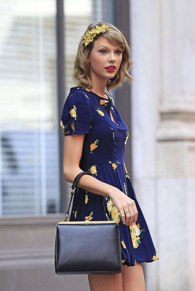 482dfd354813 Taylor Swift s Floral Frock  Get Her Pretty Spring NYC Look For  59 ...