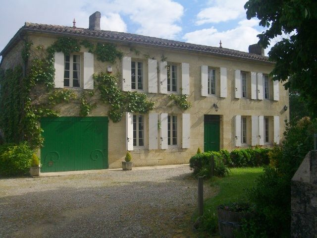 Anglo French Holiday Rental Farmhouse In The Heart Of The Beautiful Bordeaux  Vineyards. Family