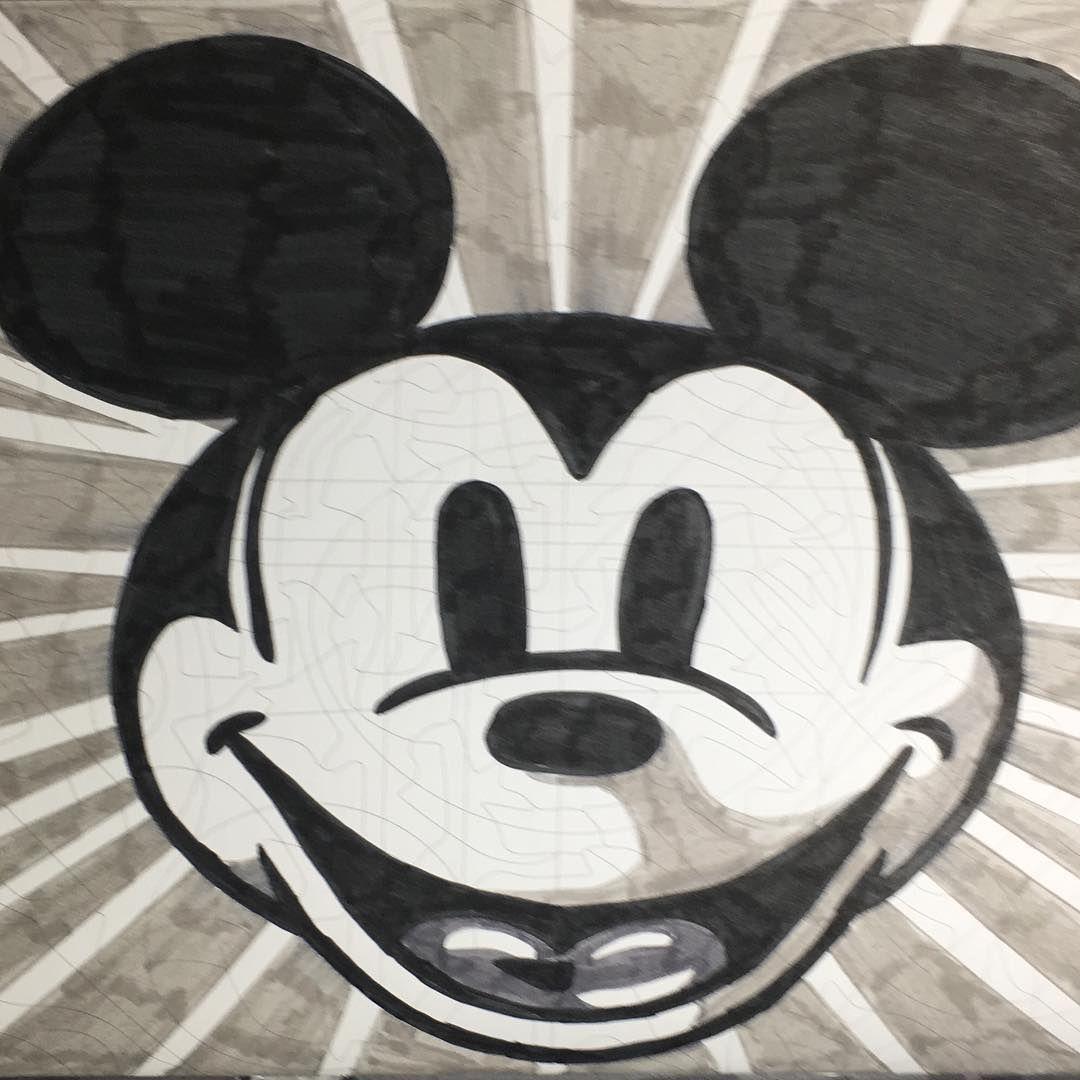 "Legrenierdefernande on Instagram: ""#mickey #mickeymouse #minnie"