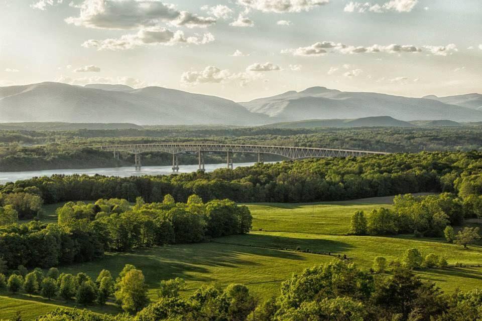 Kingston-Rhinecliff Bridge (photo credit Carolyn Odell Photography)