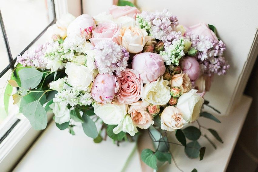 Glamorous Wedding Shoot Inspired by Gossip Girl | Bouquet ...