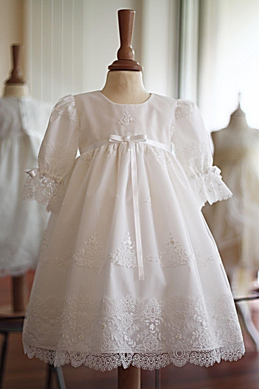 Blanc//Ivoire Vintage robe de baptême Baptême Robes dentelle bébé en stock Noeud