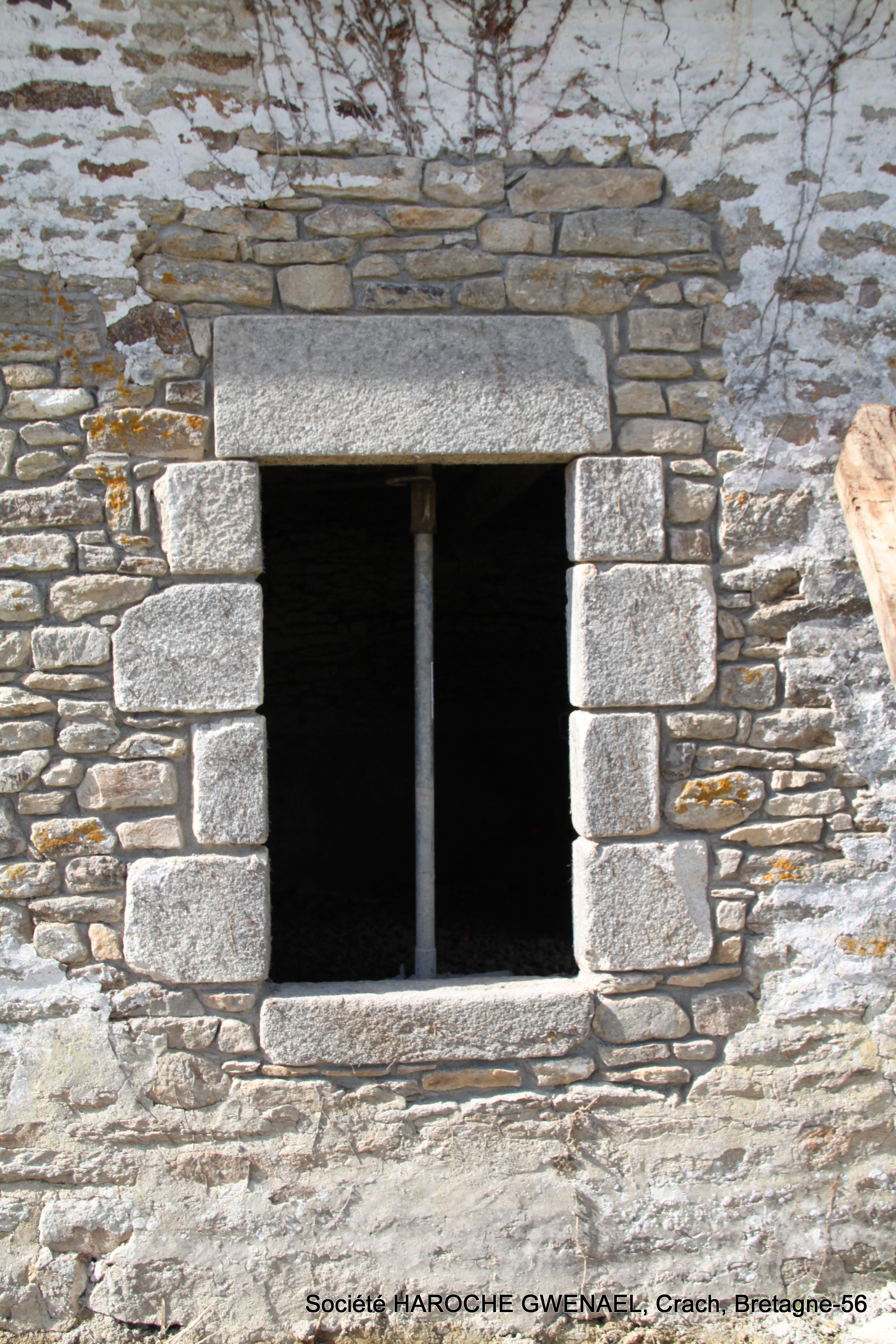 r novation d 39 une long re dans le morbihan 56 r alisation d 39 un percement dans le mur en pierre. Black Bedroom Furniture Sets. Home Design Ideas