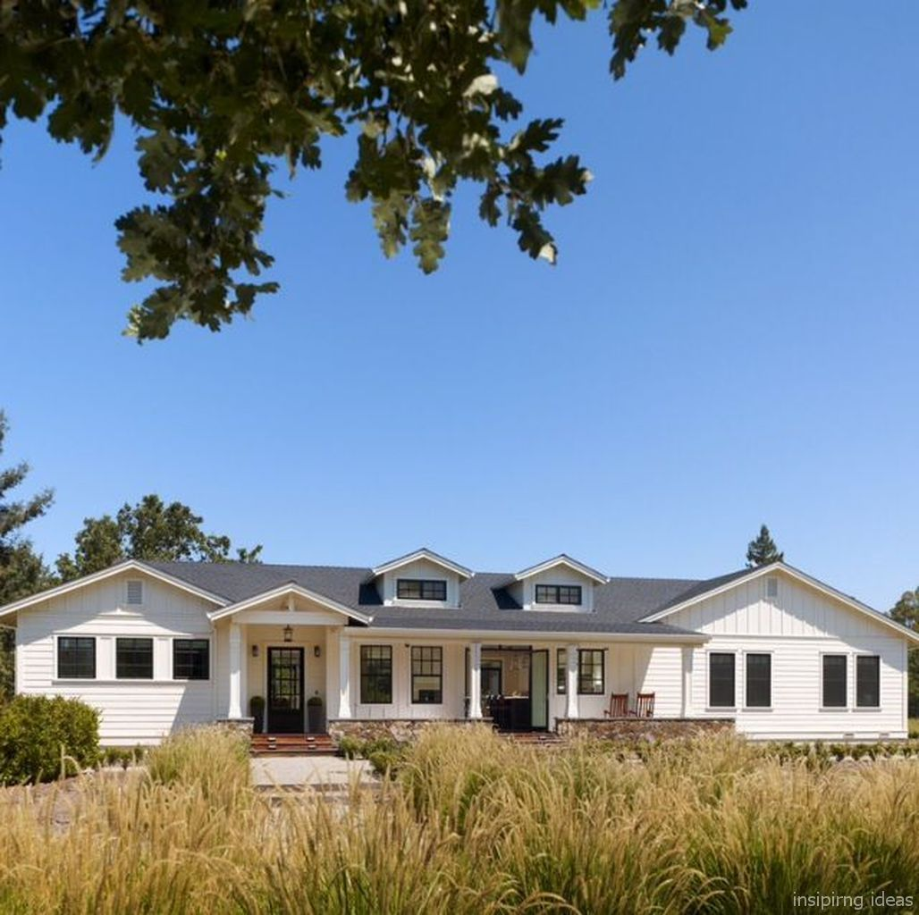 modern ranch exterior - 736×733