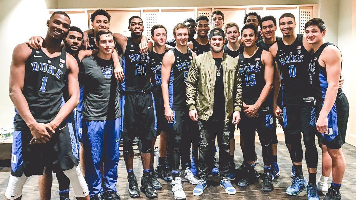 The Duke Basketball Team Made Bryce Harper Look Tiny Duke Basketball Duke Basketball Teams