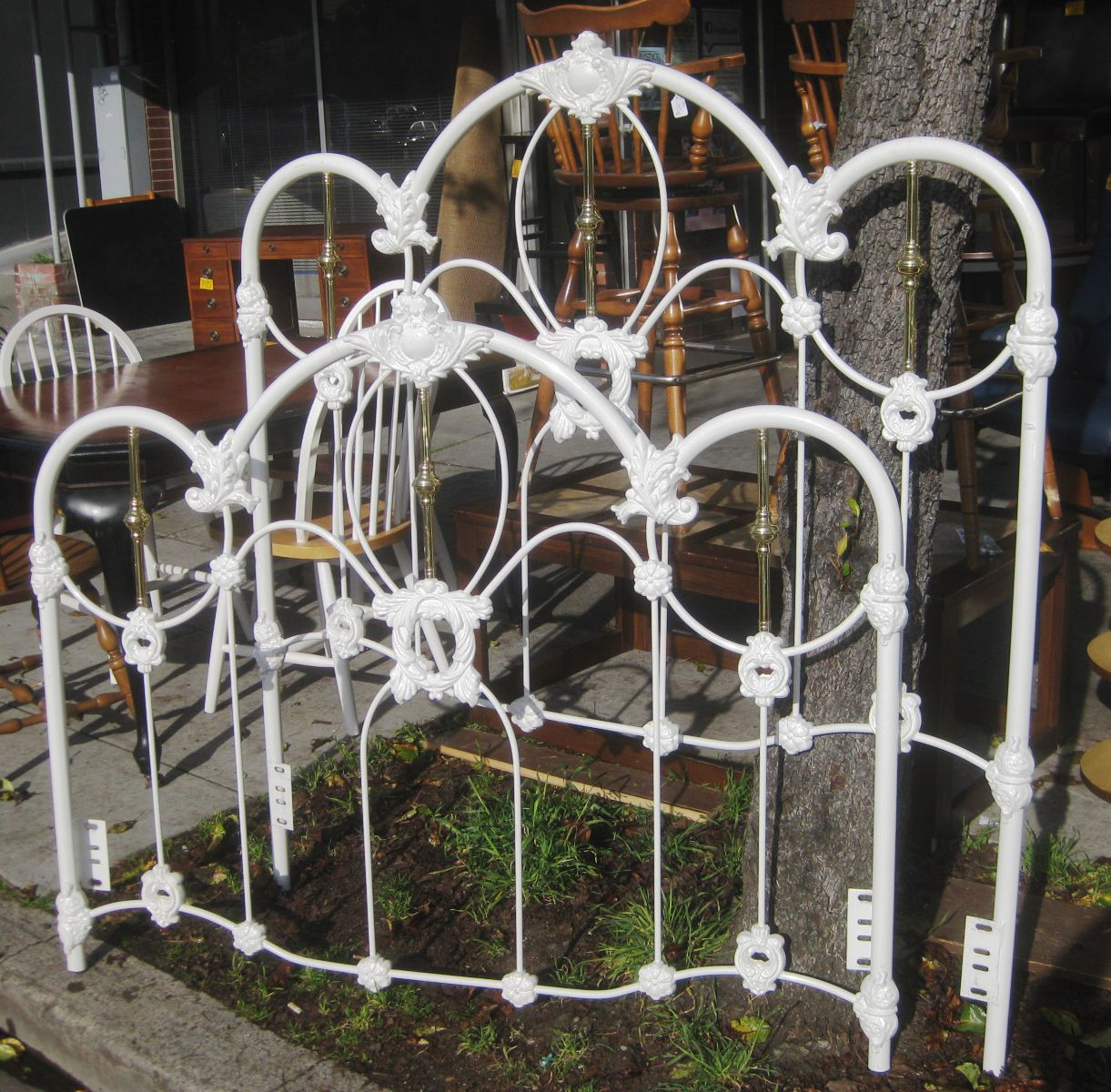 queen iron bed white uhuru furniture collectibles sold queen iron bed frame - Antique Queen Bed Frame