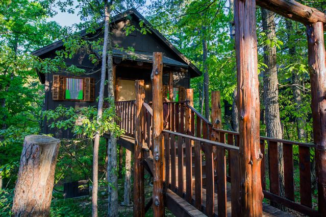 Eureka Springs Ar Treehouses Cabins Caves And Castles Eureka Springs Arkansas Eureka Springs Treehouse Cottages