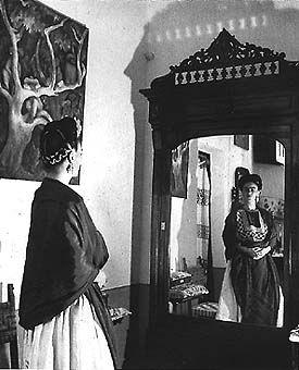"""""""Ellos creen que yo soy surrealista, pero no es cierto,no lo soy. Yo nunca he pintado lo que sueño. Yo pinto mi propia realidad"""" Frida Kahlo"""