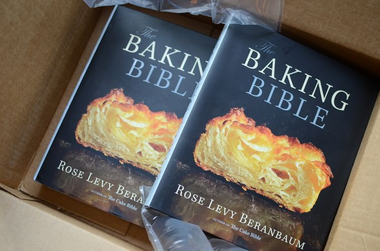 Oops, it looks like I accidentally ordered an extra copy of The Baking  Bible by Rose Levy Beranbaum.  Not quite sure how I managed to do that, but  I did so I've decided to host a giveaway.   The book is huge - 560 pages  and bursting with detailed recipes and mouth-watering photographs.   If  you're a serious baker, you want this book.  If you're a not a serious  baker, there's a good chance owning this book will turn you into one!  Terms and Conditions:      * Use the rafflecopter widget…