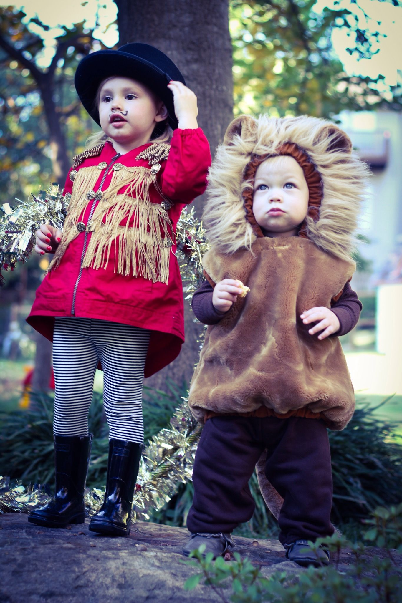 Lion Tamer And Costumes Kids Toddler Siblings