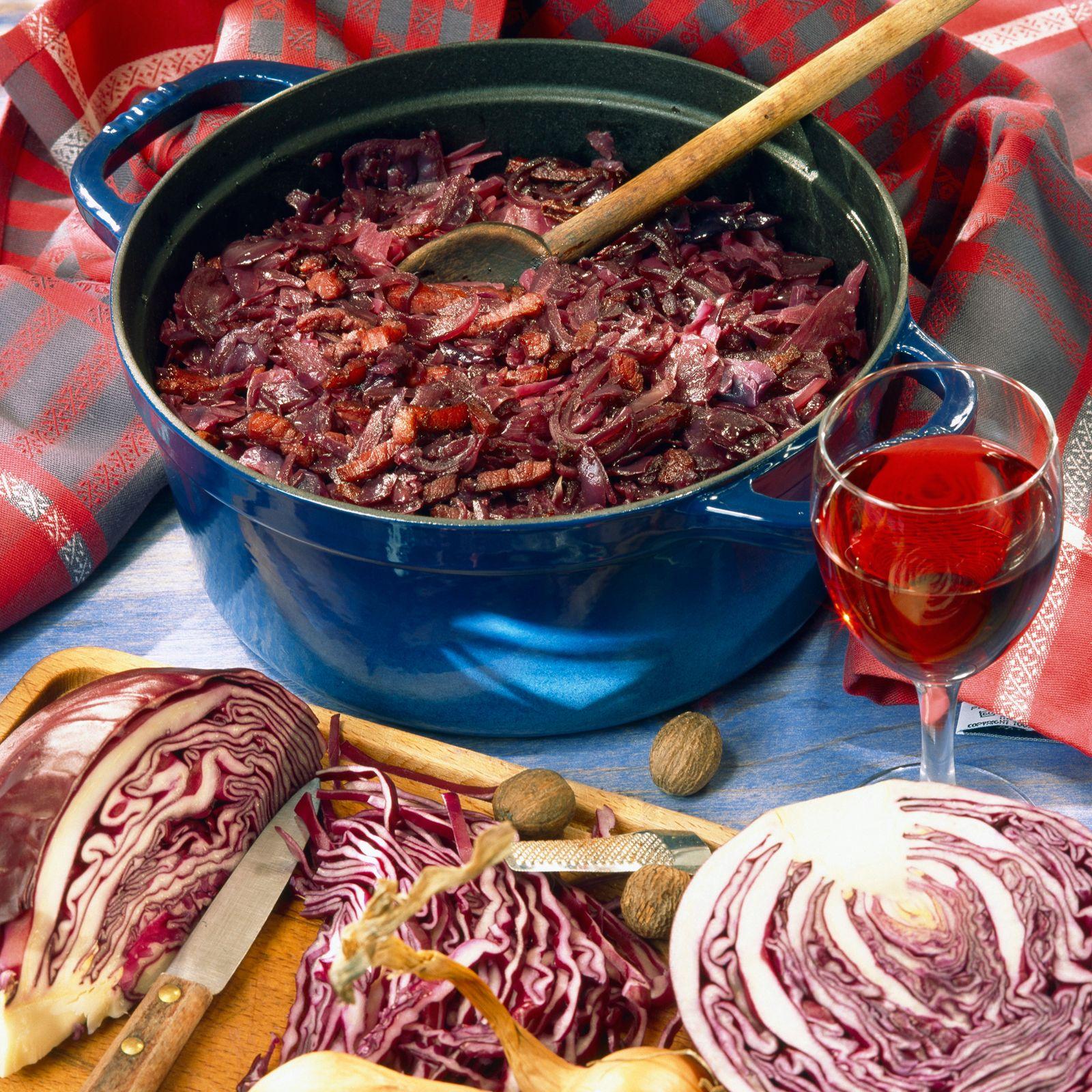Chou Rouge Aux Lardons Cuit Au Vin Rouge Recette Recette Chou - Cuisiner du chou rouge