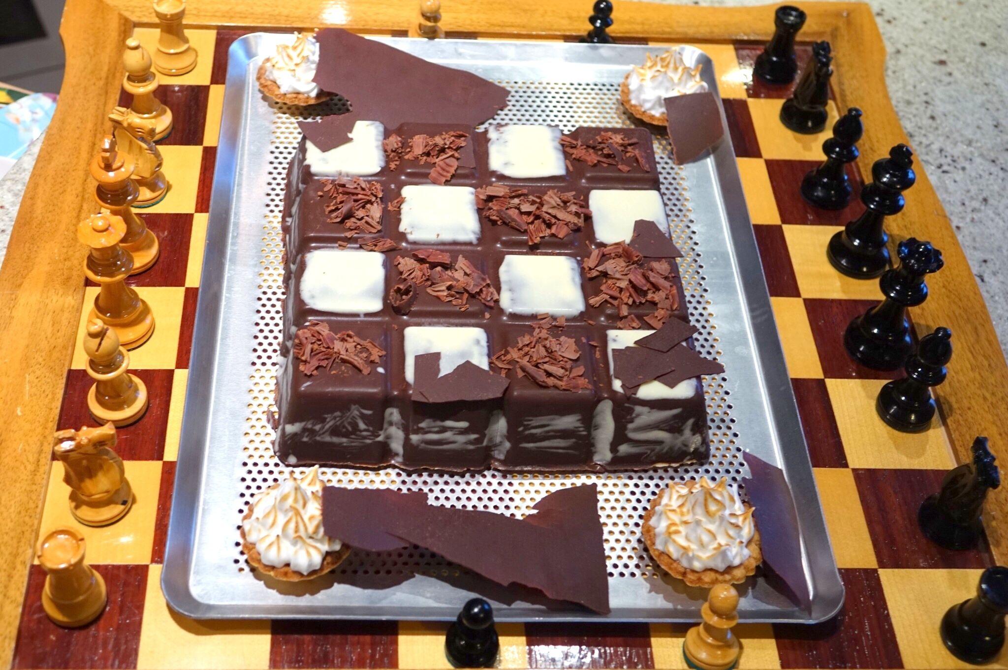echiquier crousti fondant au chocolat moule tablette de chocolat guy demarle coque chocolat. Black Bedroom Furniture Sets. Home Design Ideas