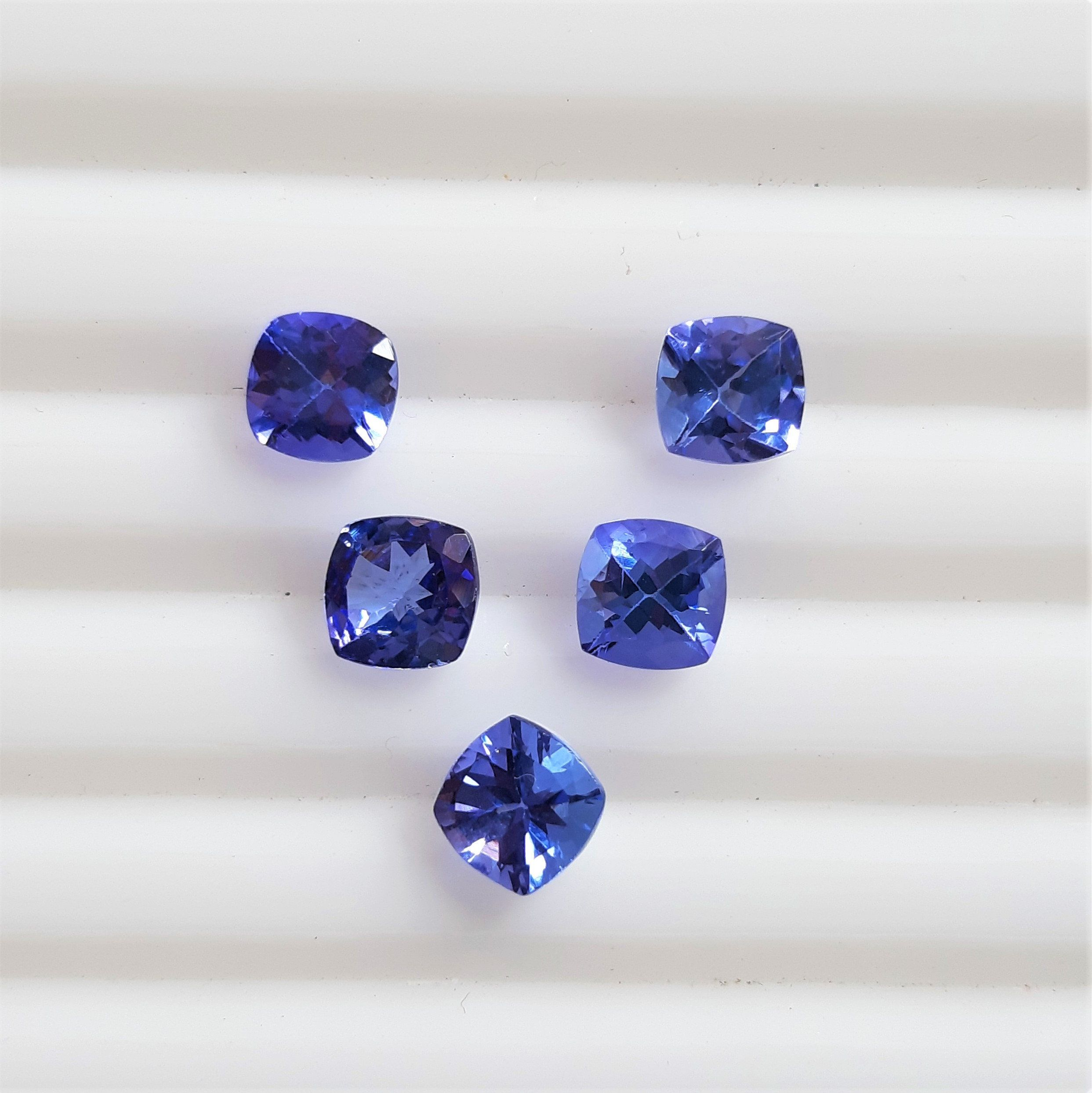 MAN MADE TANZANITE 6 MM SQUARE CUT BEAUTIFUL BLUE COLOR