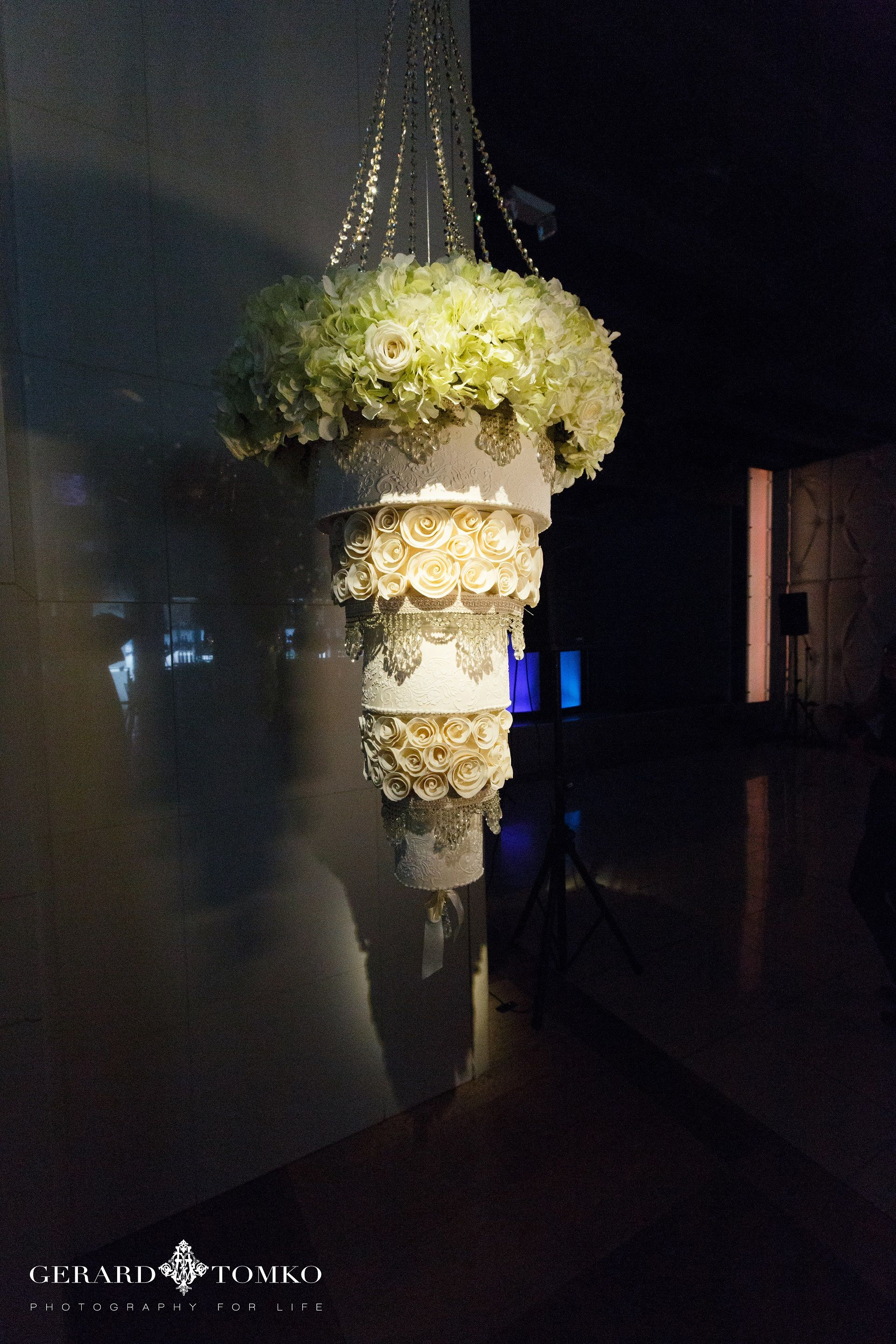 Cescaphes hanging chandelier cake wedding cakes flowers cescaphes hanging chandelier cake arubaitofo Image collections