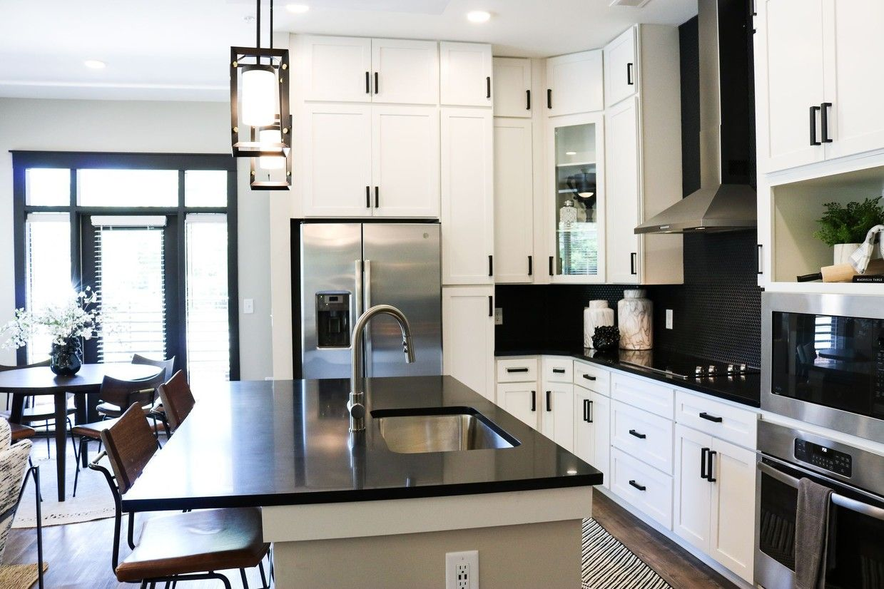 The Village At Commonwealth Apartments Charlotte Nc Apartments Com House Plans House Apartments For Rent