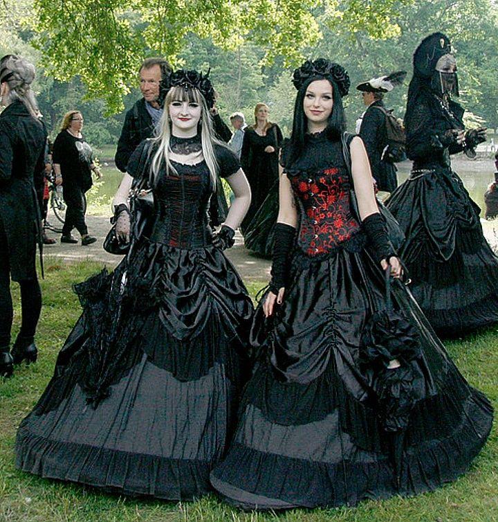 Gothic Goth Girl Fashion: Gothic Fashion // Kuriositaetenkabinett: ~Schwarz Romantik