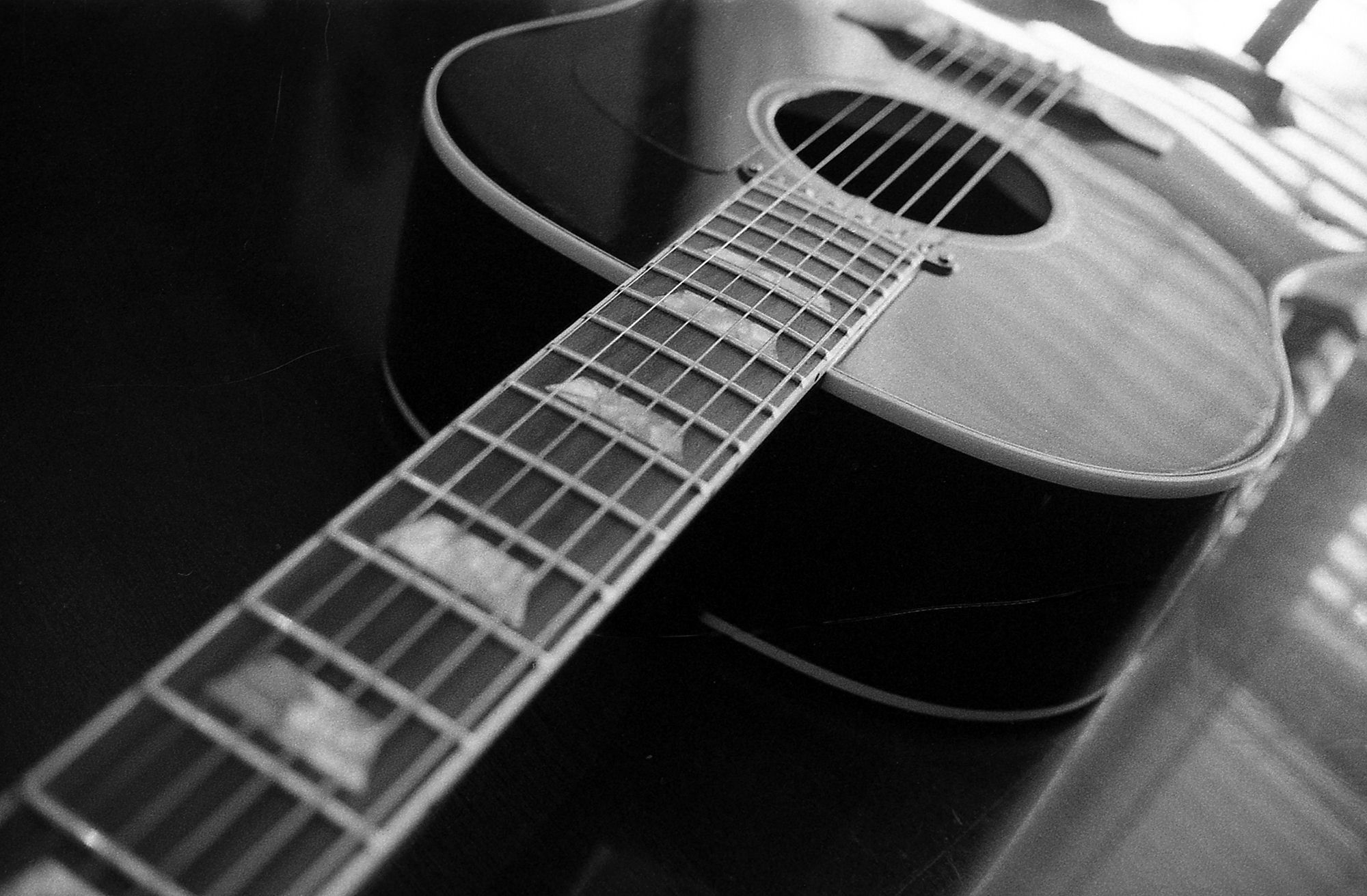 Acoustic Guitar Photography Black And White Wallpaper
