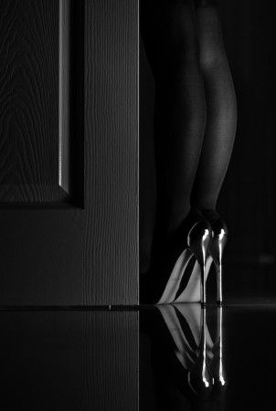 Color Negro - Black!!! Meet Me At Midnight