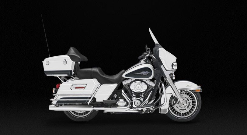 Electra Glide Classic 22 000 Riding On The Back Holding On To My