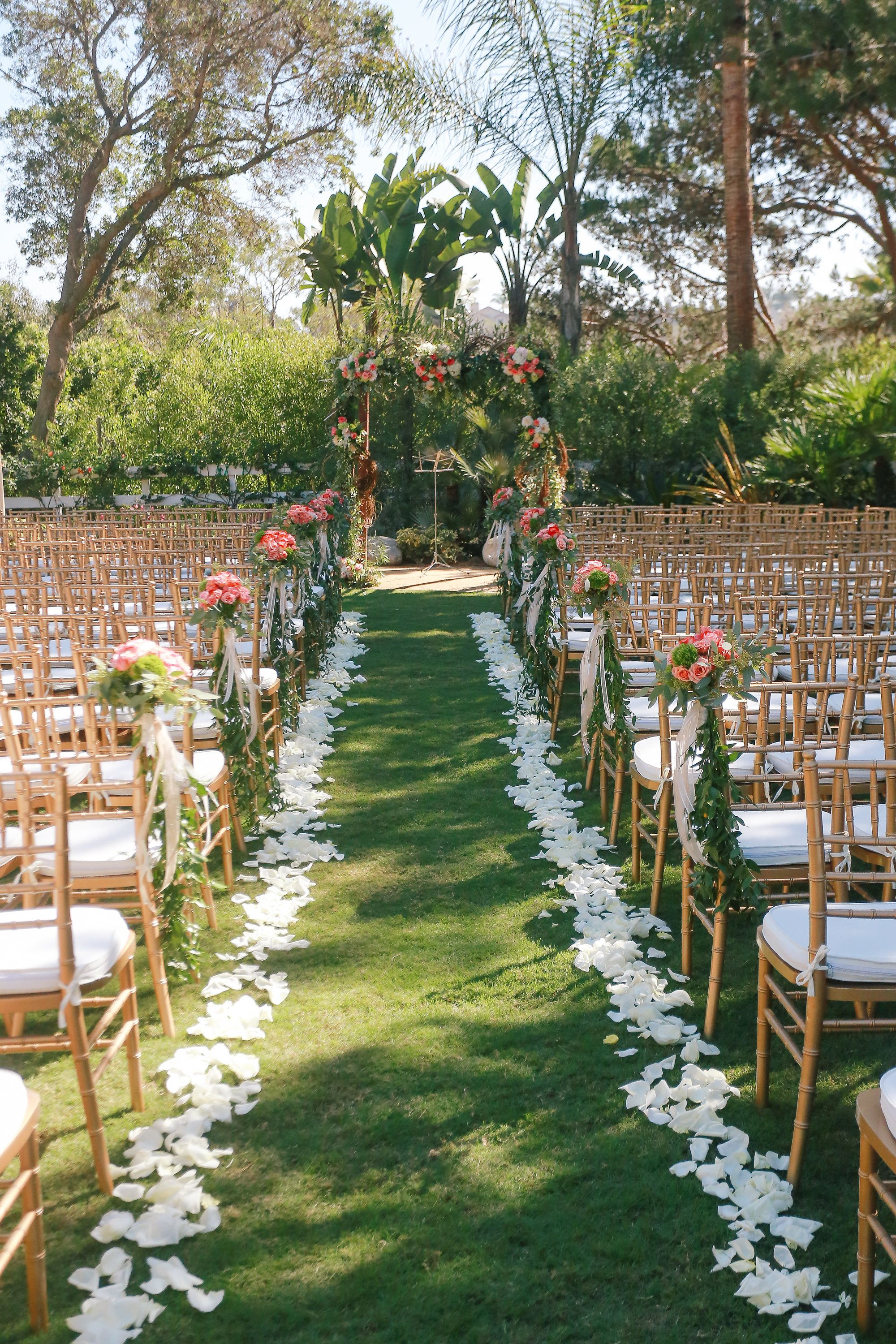 Love all the florals! View the full wedding here: http://thedailywedding.com/2015/12/05/elegant-courtyard-wedding-josephine-casey/