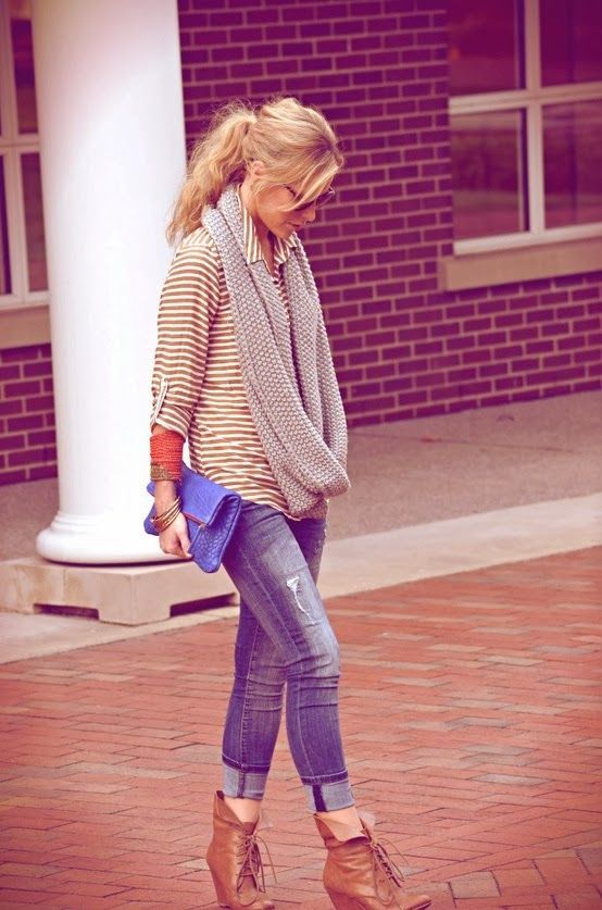 Fall Outfit With Capri Jeans and Scarf