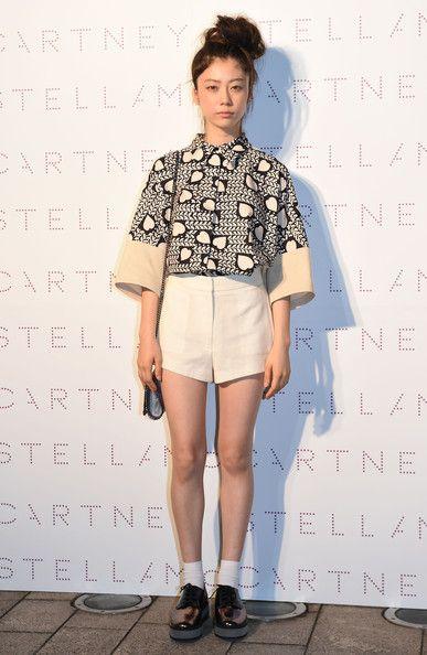 Sumire Photos Photos Stella Mccartney Spring Presentation Fashion Fashion Photo Moda Casual