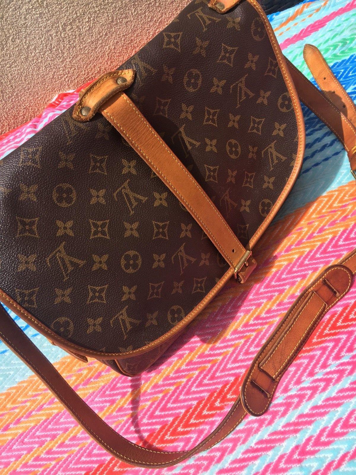 ac0cec0bf92 Authentic Louis Vuitton Saumur 35 Vintage Travel Crossbody Messenger Saddle  Bag