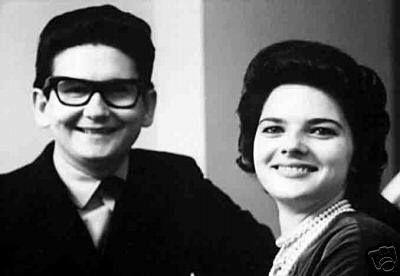 Roy and Claudette Orbison.   Roy orbison, Oldies music, Music memories