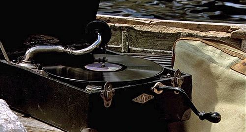 I'm loving this idea...phonograph music for wedding reception. Brilliance personified!