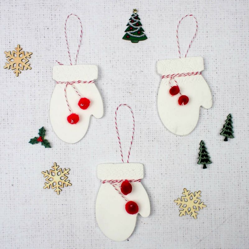 Clay Mittens Christmas Decoration Air drying clay, Mittens and
