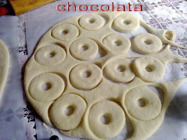 أروع طريقة لعمل الدونات الهشة واكيد بالصور Food Desserts Cookies