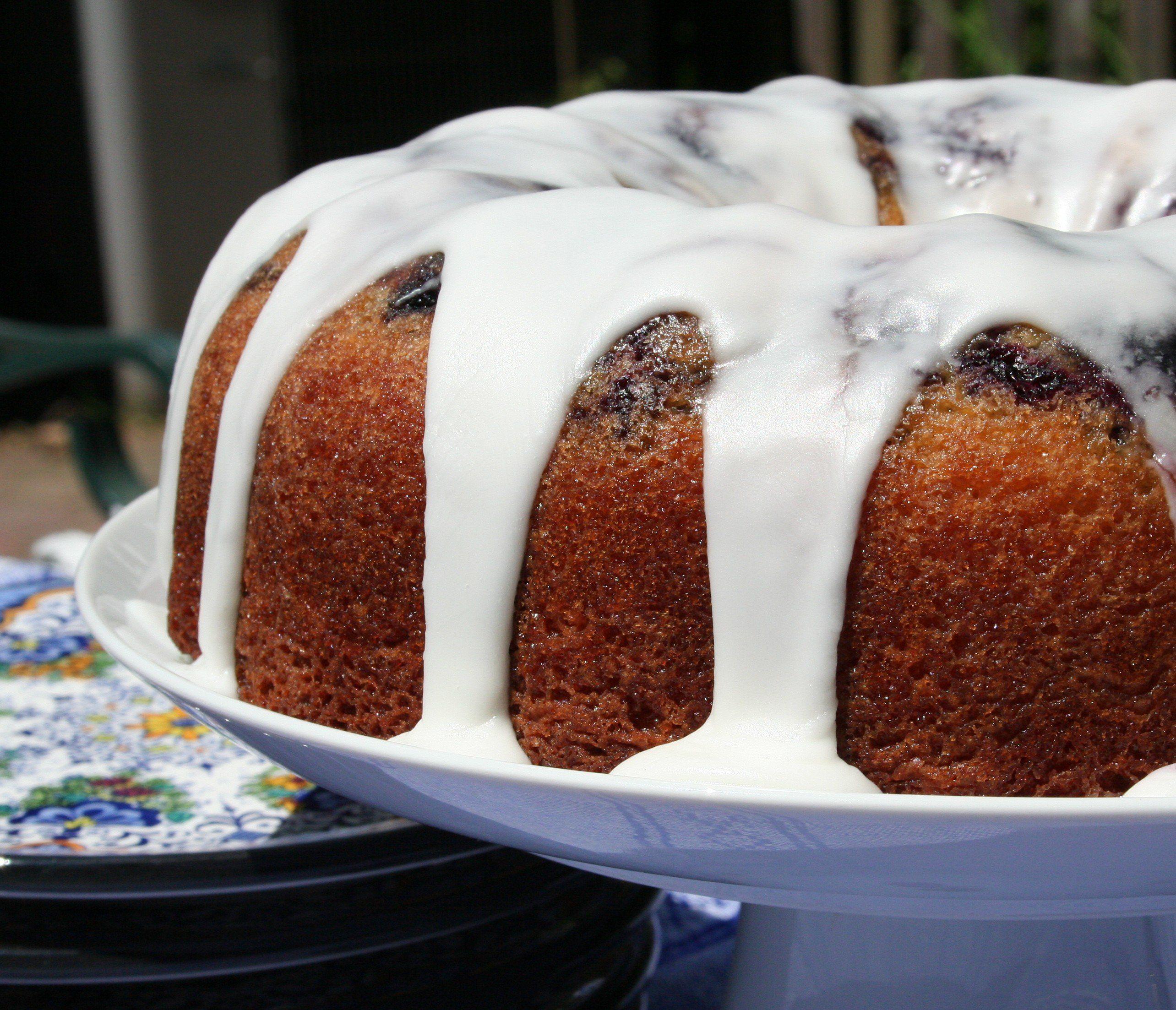 Glazed Lemon Blueberry Bundt Cake - Farberware Cookware