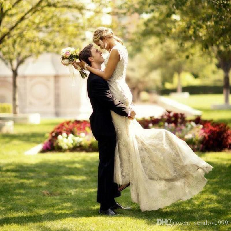 Outdoor Wedding Photography With Kids Countryweddingphotography Wedding Photos Wedding Photos Poses Wedding Portraits