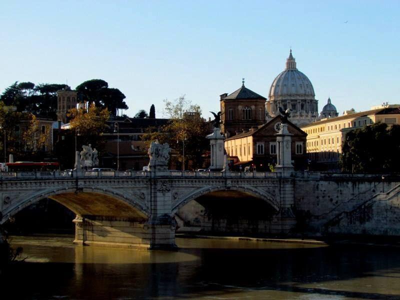 184 Cupola Di San Pietro Lungotevere Roma Lazio Foto Di