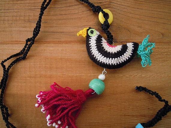 Black and white crochet bird necklace, tassel | Pinterest ...